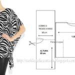 túnica estampada em tons preto e branco