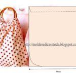 bolsa de tecido com pega em madeira