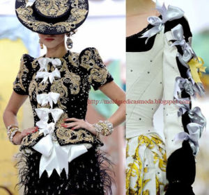 bordados e aplicações na roupa